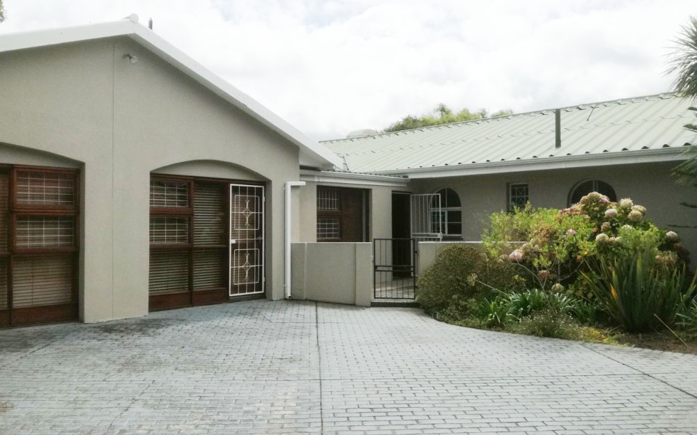Property with excellent location for a business.