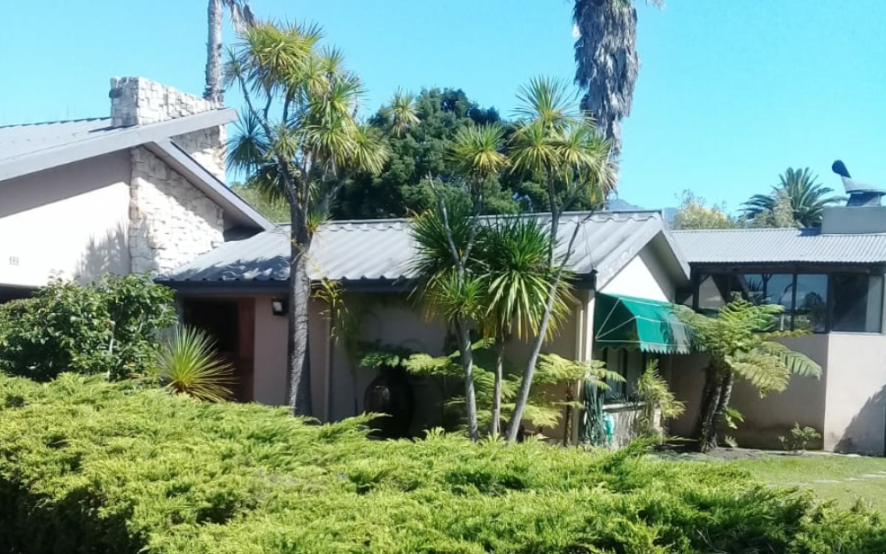 Large family home in tranquil safe culd-a-sac