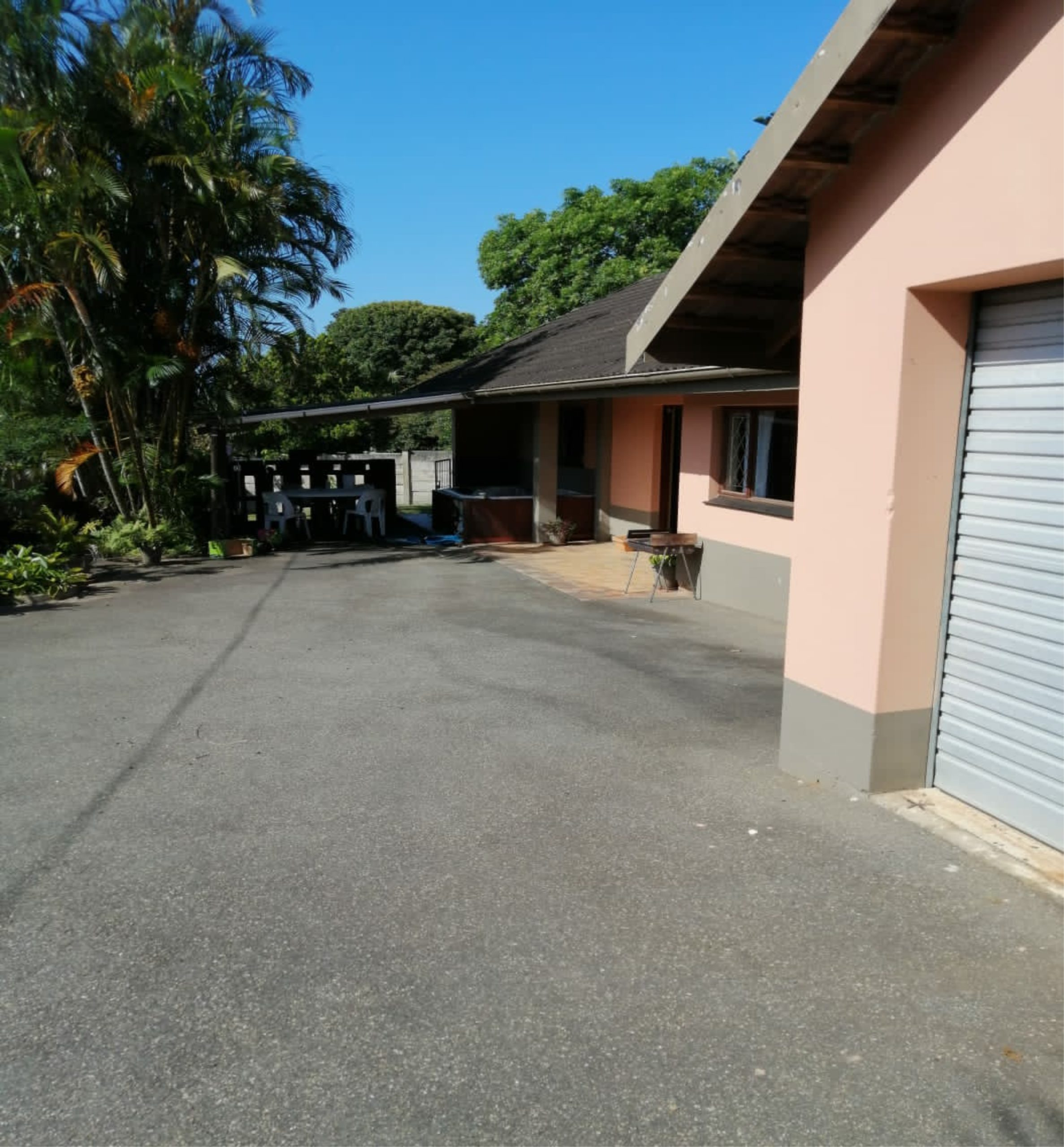 Modern family home for sale in Uvongo on the South Coast.